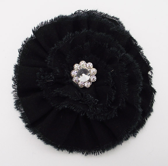 BROOCH - BLACK FLOWER 3.5'
